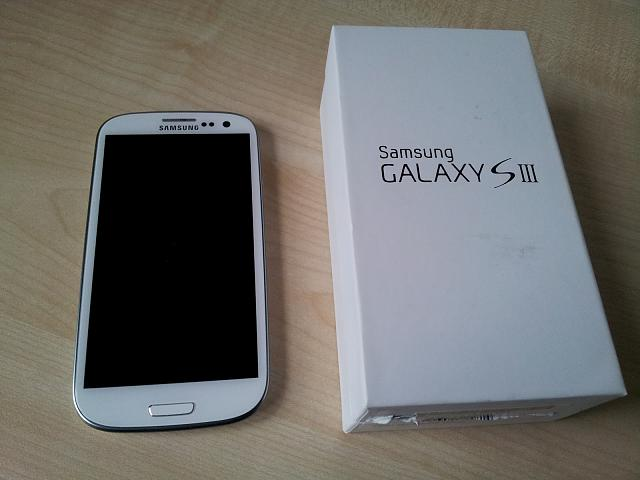WTT Mint White Verizon 16GB Galaxy S3 + 32 GB MicroSD + Accessories-2012-06-03-19.42.22.jpg