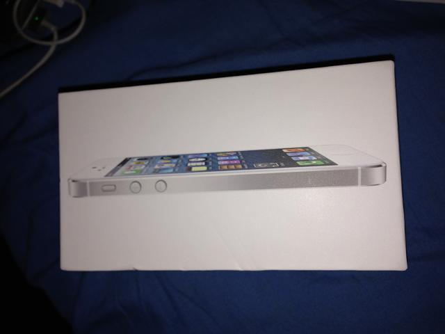 WTS iPhone 5 16GB Unlocked & Macbook Air-img_2961.jpg