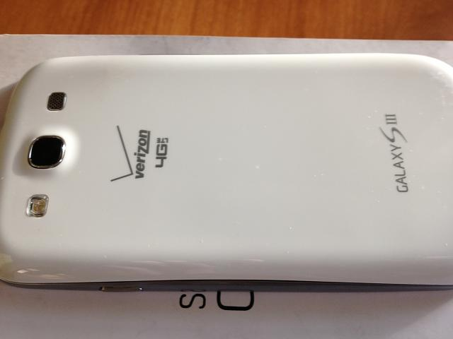 Verizon white galaxy s3 16 gig with otterbox and 6s gig sd card!  Also Nexus 7 8 gb-img_0547.jpg