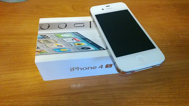 WTS: NEW (refurb) 4s 64 gig from apple store and zaggs hd screen-wp_20130121_001.jpg