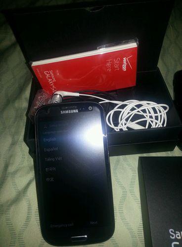 WTS: Samsung Galaxy S3 (Verizon) 16GB Sapphire Black *Excellent Conditon*-black-s3-2.jpg