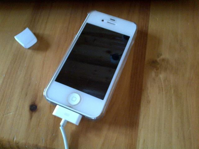 WTS: Bell 16GB white iPhone 4S-imageuploadedbytapatalk1360638989.973305.jpg