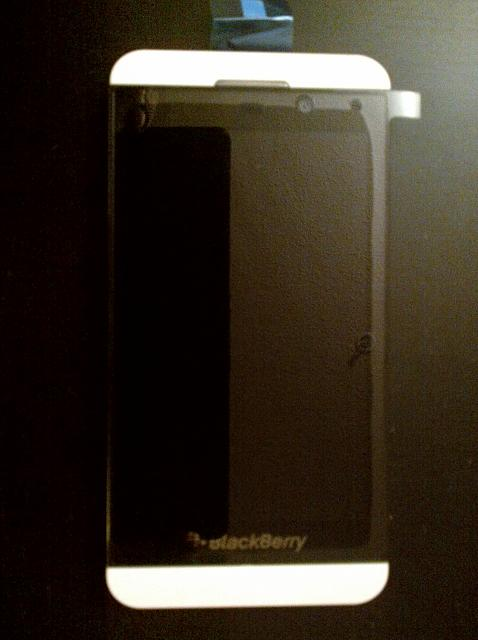 FS: White BlackBerry Z10 Brand New-z10_white_front.jpg