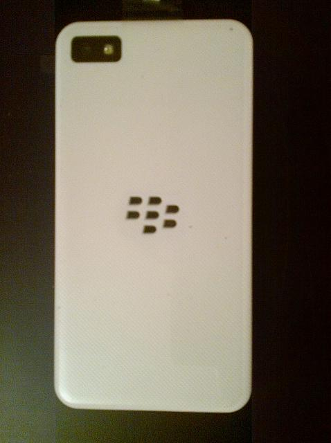 FS: White BlackBerry Z10 Brand New-z10_white_back.jpg