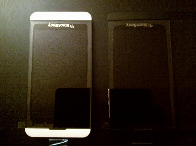 FS: White BlackBerry Z10 Brand New-z10_white_and_black.jpg