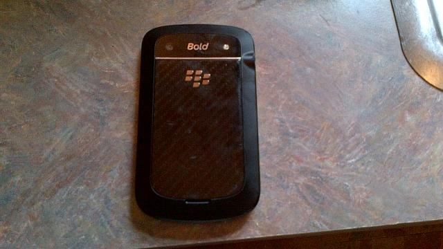 WTT Torch 9860 + OtterBox + Cash for a Bold 9900 (Both ATT)-img_00000017.jpg
