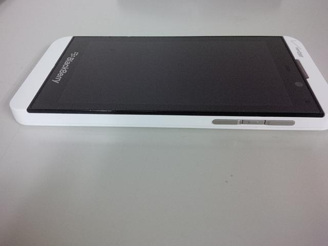 blackberry z10 white verizon - photo #18