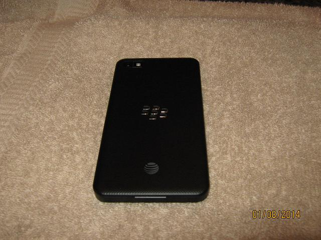 AT&T BlackBerry Z10-blackberry-z10-q10-002.jpg