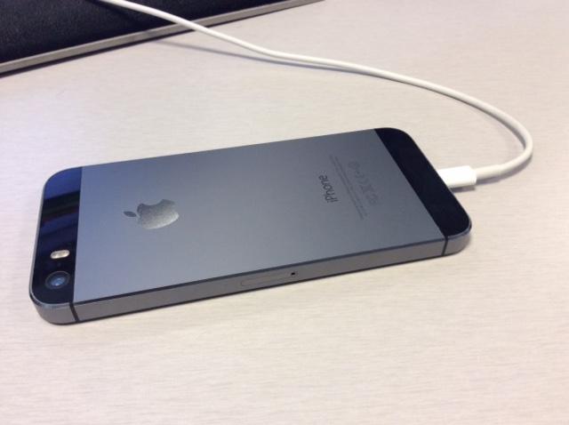 Unlocked iPhone 5S 64GB Space Gray NEAR MINT