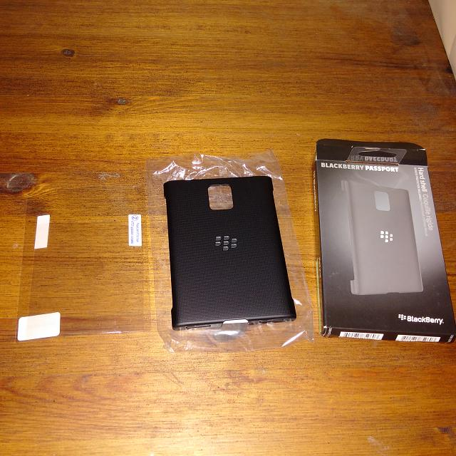 Brand New OEM BlackBerry Passport Hard Shell Case-img_20141015_000152.jpg
