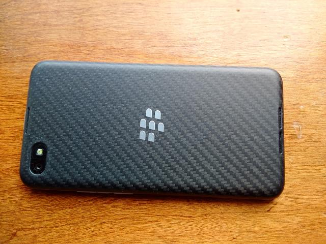 Blackberry Z30 - Unlocked - Mint Condition with Accessories-z30backsm.jpg
