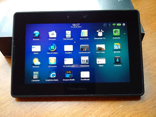 Playbook - 64GB WiFi - Mint Condition with accessories-playbookcloseup.jpg
