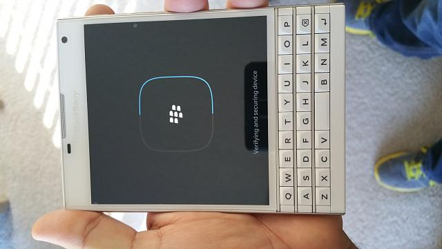 Mint condition White BlackBerry Passport-uploadfromtaptalk1438282992366.jpg