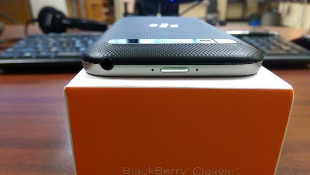 Like New Blackberry Classic Unlocked in Box with Cases and Screen Protectors-wp_20150814_014.jpg