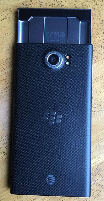 Blackberry PRIV & Blackberry CLASSIC For Sale-Both AT&T-Both Mint Condition-Both come with extra's!!-3.jpg