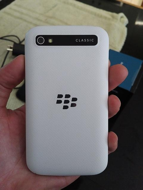 White Blackberry Classic / IPhone 6s 128gb / Apple Watch-image.jpg