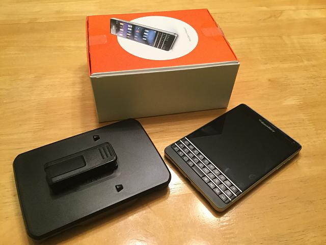 WTS: AT&T BlackBerry Passport-img_0053.jpg