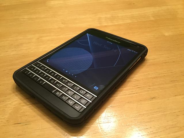 WTS: AT&T BlackBerry Passport-img_0048.jpg