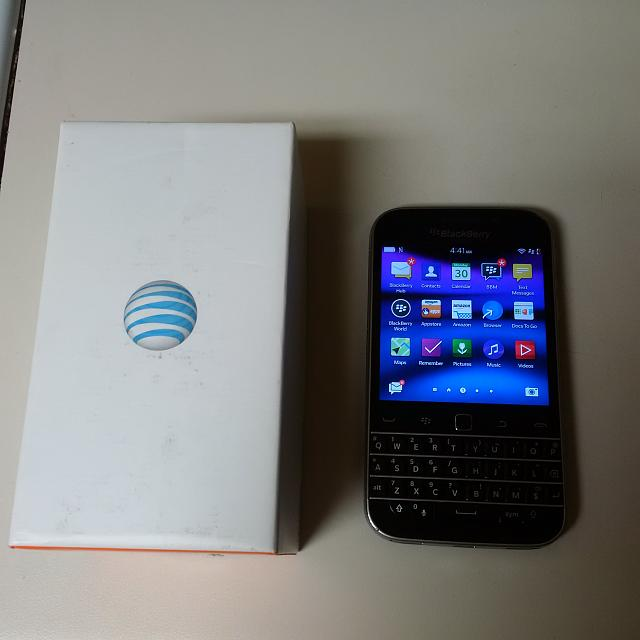 WTS BlackBerry Classic and BlackBerry Z30-img_20170129_224108.jpg