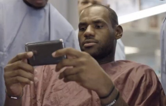 Would you be in support of a Phablet device by RIM?-lebron-james-samsung-galaxy-note-ii-575x366.jpeg