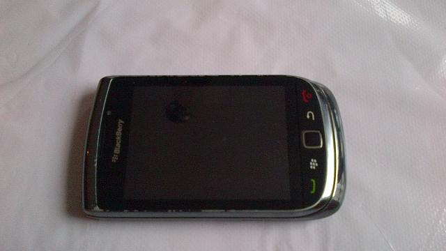 How beat up is your pre-BB10 phone?-img_00000023.jpg