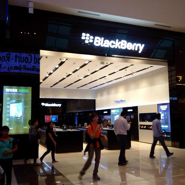 Blackberry Classic sold out in Dubai-img_20150118_171123.jpg