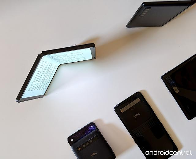 Foldables from Samsung and likes-tcl-dragonhinge-topdown-reader-obtuse-angle.jpg