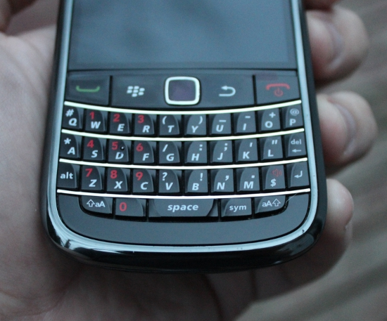 WTS Verizon Wireless Bold 9650 in Very Good condition-img_4075.jpg