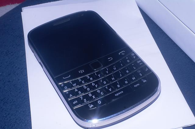 Bold 9900 Sale Europe-sam_6513.jpg