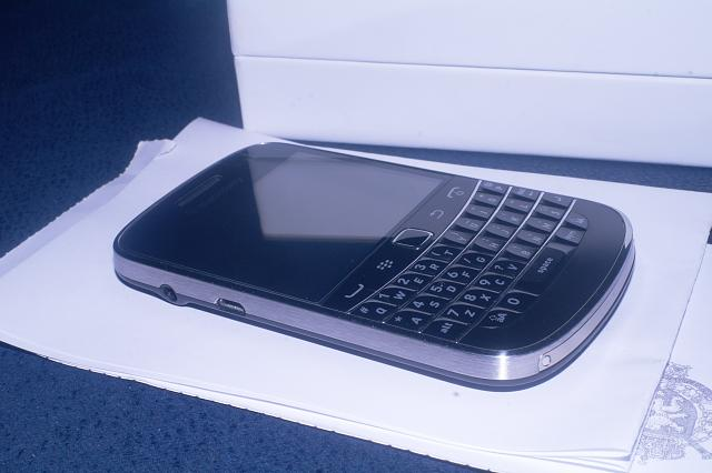 Bold 9900 Sale Europe-sam_6514.jpg