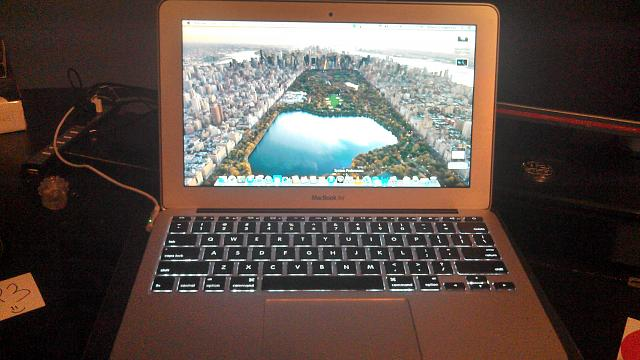 WTS/WTT: Like new MacBook Air 11' in box-img_20121218_210940_098.jpg