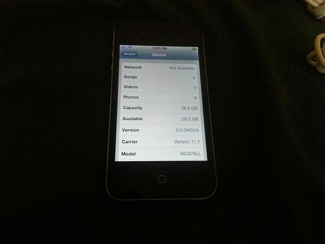 FS: Verizon iPhone 4 32gb Black w/ extras-20121230_235159.jpg