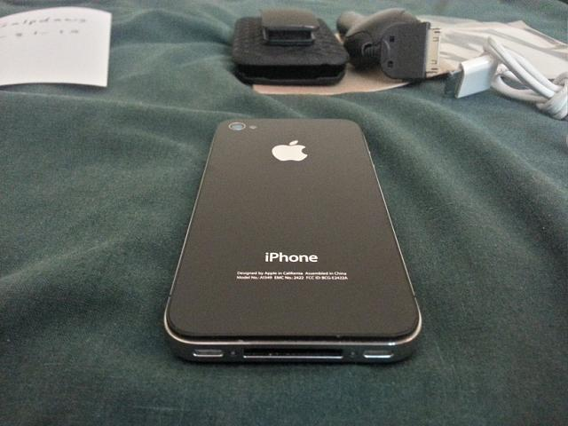 FS: Verizon iPhone 4 32gb Black w/ extras-20121230_235308_hdr.jpg