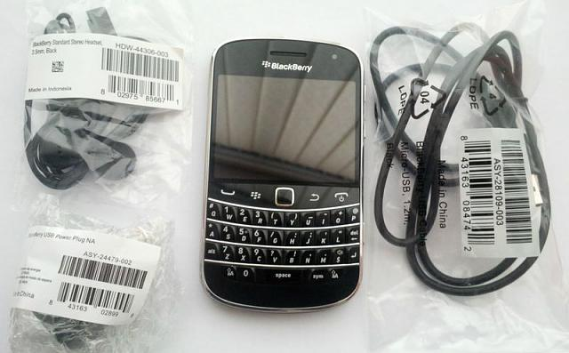 Mint Rogers Blackberry Bold 9900 (Unlocked) + Accessories-kgrhqzhjecfekvltbknbrgtrp4vo-48_20.jpg