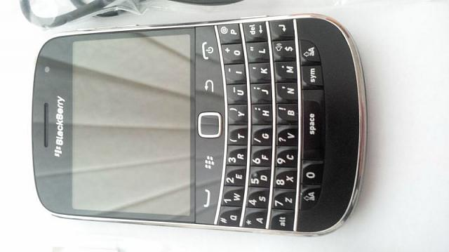Mint Rogers Blackberry Bold 9900 (Unlocked) + Accessories-t2ec16v-zqe9s3ssvw7brgtrv3cqq-48_20.jpg