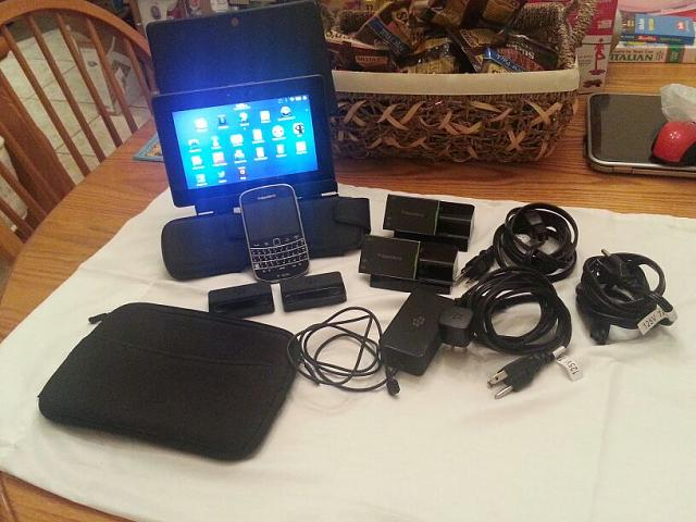 PlayBook 64gb, Bold 900 (for parts only) & accessories.-uploadfromtaptalk1367276260867.jpg