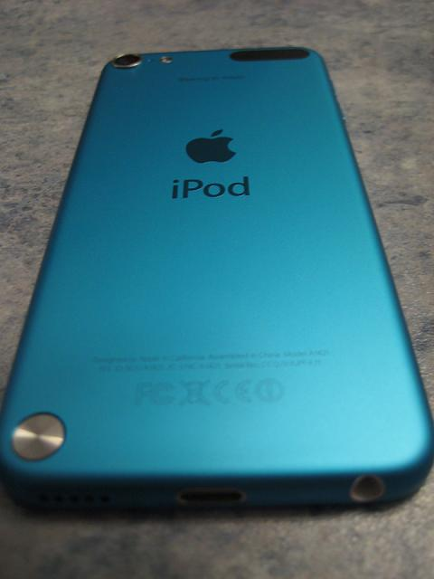 WTS: Blue 5th generation Ipod Touch 64GB-img_1057.jpg