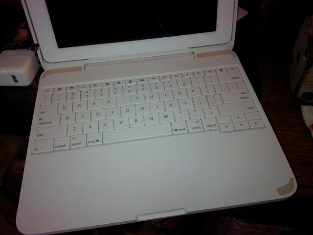 iPad2 w/Clamcase keyboard!!-img_00000053.jpg