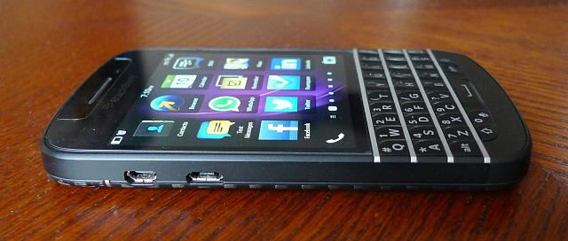 WTS: Rogers Blackberry Q10 (SQN100-3) with LTEMax  Mint