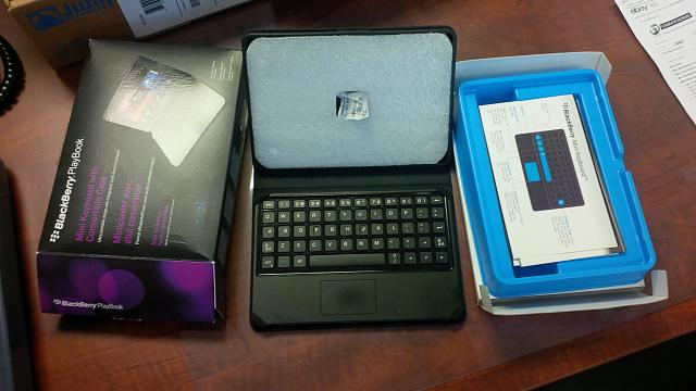 PlayBook (32GB), OEM Mini Keyboard, Otterbox, Rapid Charger-img_00000057.jpg