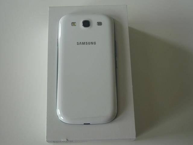 LIKE NEW Samsung S3 Unlocked /w Ghost Armour Screen Protector-p1020565-private.jpg