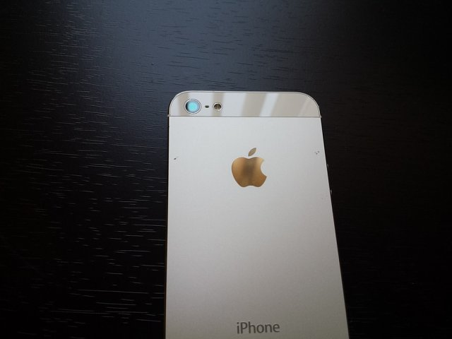 AT&T iPhone 5 16gb White w/ extras-20131022_173128.jpg