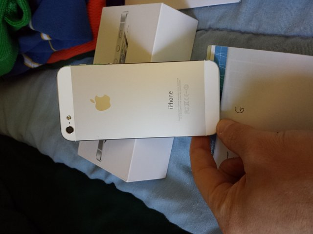 AT&T iPhone 5 16gb White w/ extras-20131022_173248.jpg