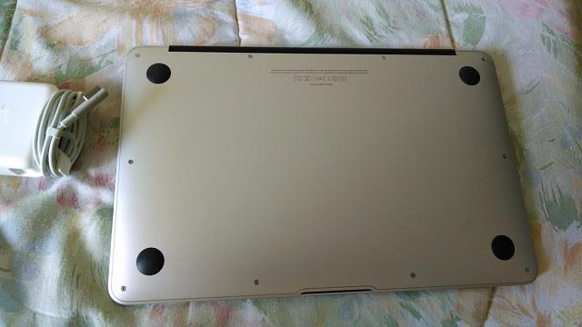 "Apple Macbook Air 11"" 2010 (Mint Condition)-img_20131203_100334996.jpg"