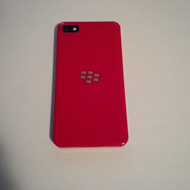 Like New Red Limited Edition Z10 w/ Case-img_00000003.jpg