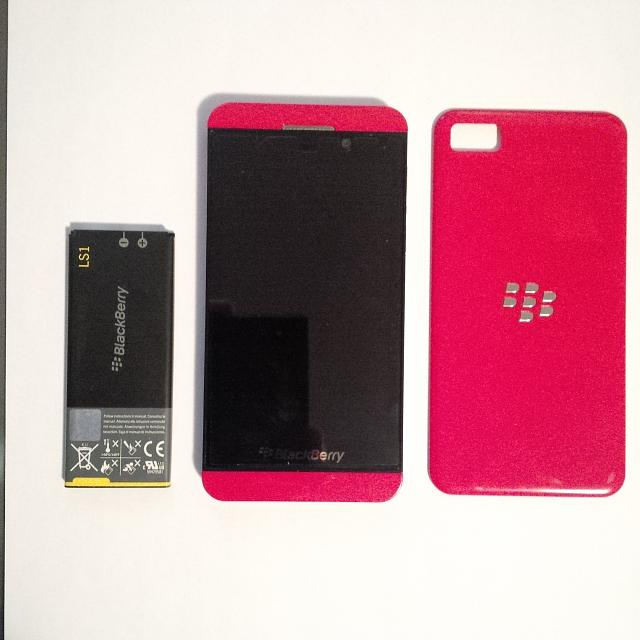 Like New Red Limited Edition Z10 w/ Case-img_00000006.jpg