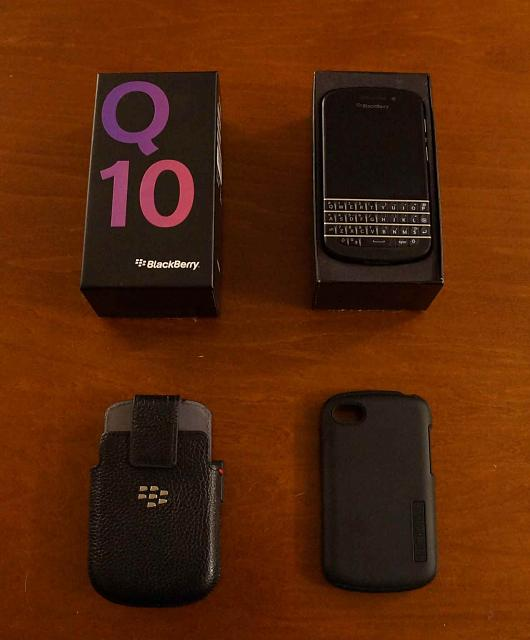 Q10 (Bell Mobility) - Excellent Condition with EXTRAS!-main.jpg