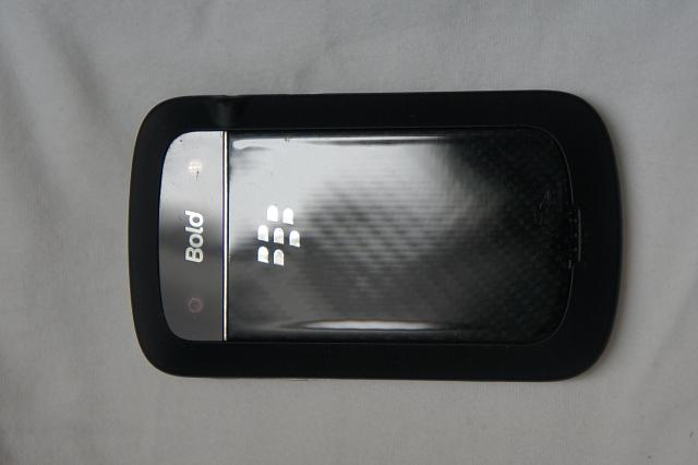 MINT Blackberry Bold 9900 - [Unlocked] + Accessories-dsc08560.jpg