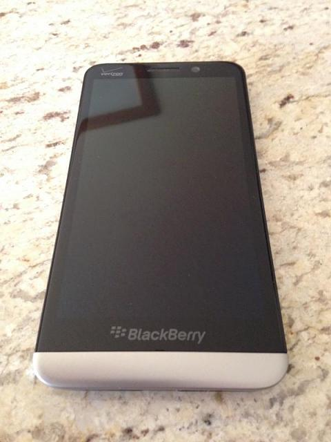 BlackBerry Z30-photo-2-1-.jpg