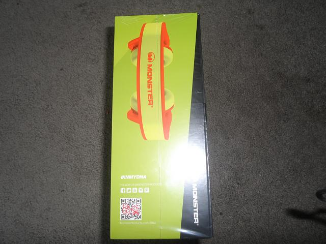 BNIB Monster DNA on the ear headphones yellow/oragne-sam_1224.jpg